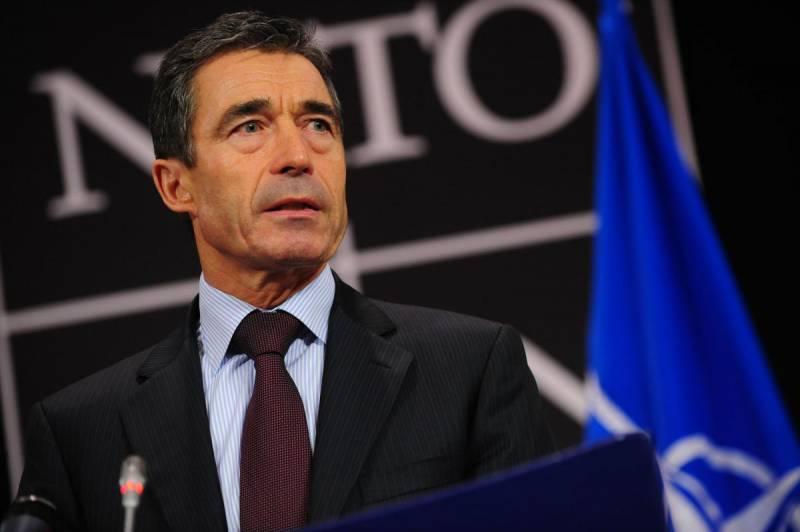 Заело пластинку: бывший генсек НАТО снова требует от США стать «мировым полицейским»