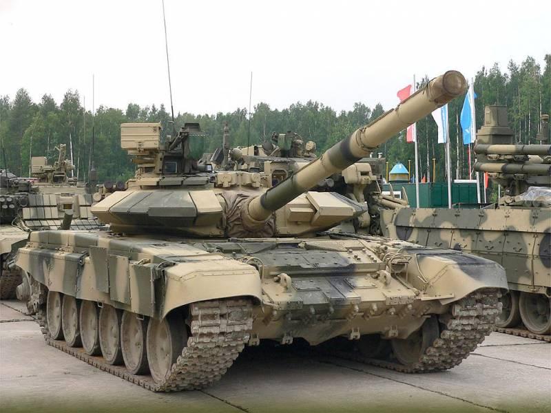Москва и Тегеран обсуждают поставки военной техники на миллиарды долларов