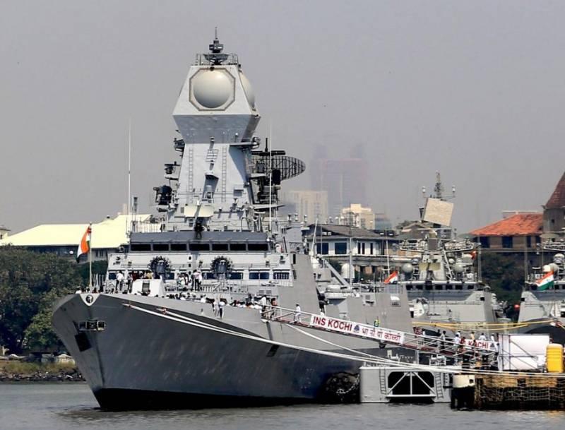 ВМС Индии приняли в состав третий эсминец класса «Калькутта»