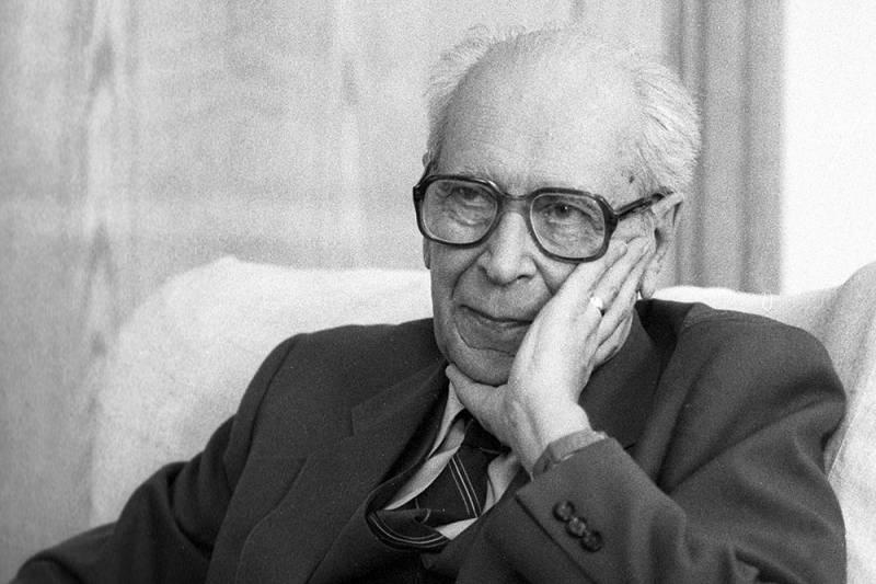 Академику Дмитрию Сергеевичу Лихачёву сегодня исполнилось бы 110 лет