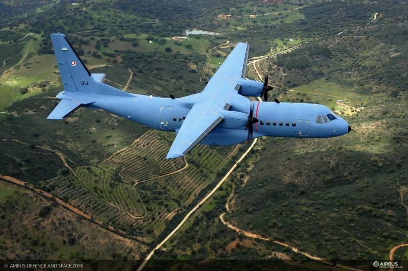 Многоцелевой военно-транспортный самолёт CASA C-295
