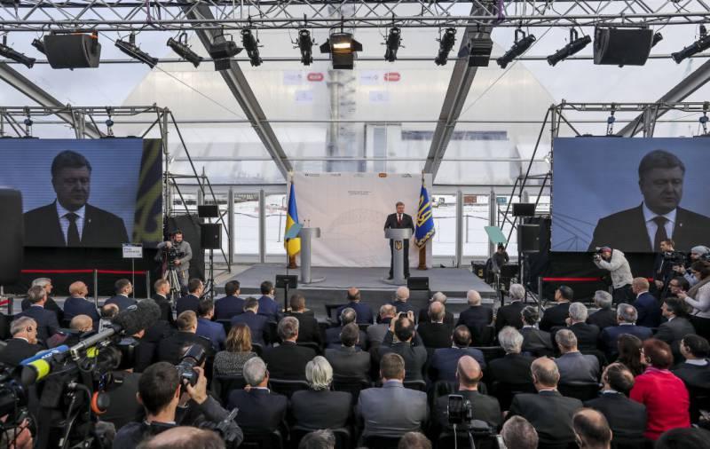 Порошенко объявил, что авария на ЧАЭС не так страшна, как война с Россией