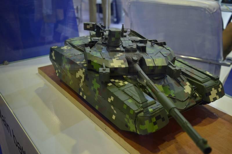 СМИ: макет украинского «Оплота» стал сенсацией на выставке в Пакистане