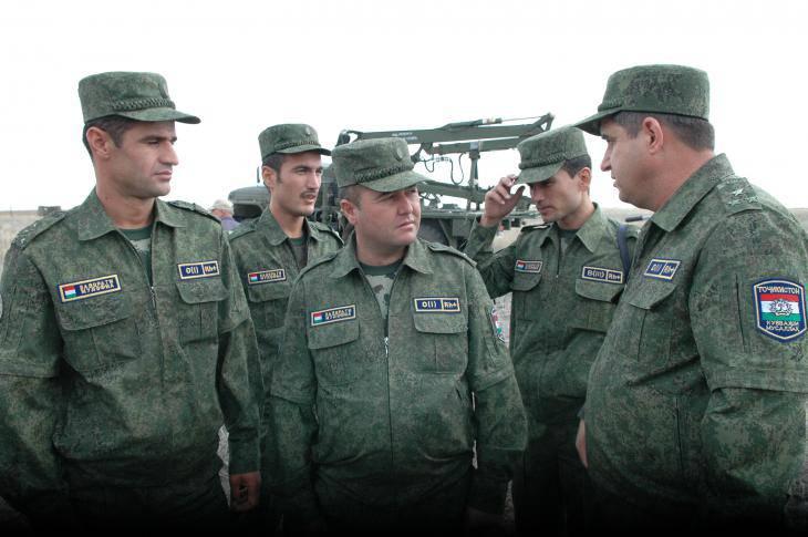 Российские военные начинают подготовку таджикских коллег