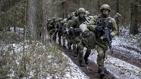 Страны Балтии опасаются сокращения натовских программ