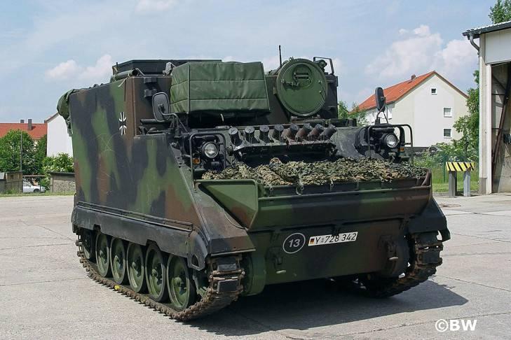 Литва покупает в Германии крупную партию БТР типа M577