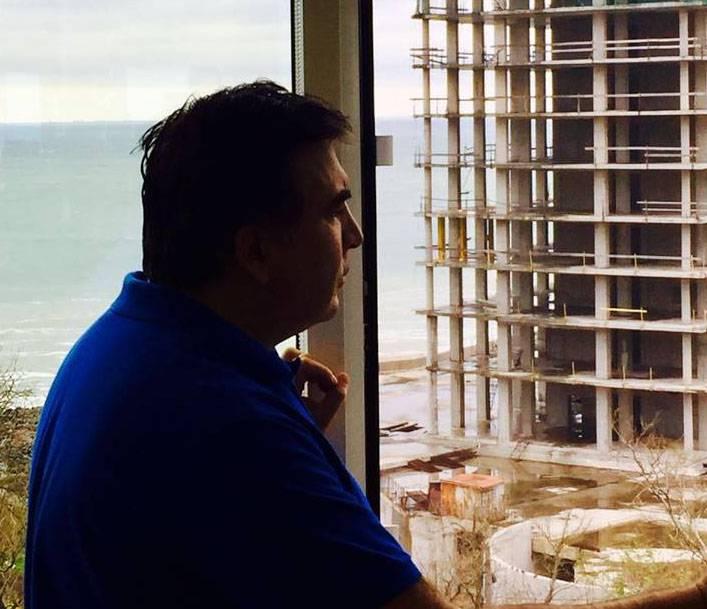 """Саакашвили организовал сбор средств у украинцев на """"сверхдержаву"""""""