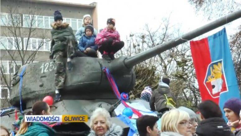 Жители польского города отстояли памятник освободителям – советский танк Т-34