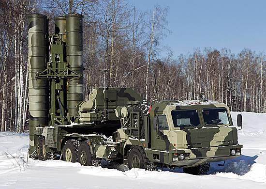 """С-400 """"Триумф"""" поставляются в части и соединения ЗВО"""