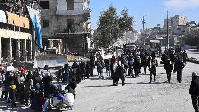 Еще около 18 тыс мирных жителей покинули подконтрольные боевикам кварталы Алеппо