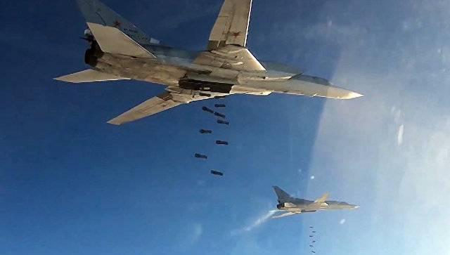 СМИ: террористы отступили от Пальмиры после ударов российских самолётов