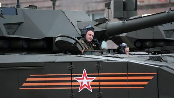 Для экипажей российских бронемашин разрабатывается новая гарнитура связи