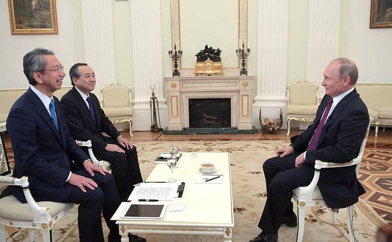 """Владимир Путин в интервью японским СМИ: """"У России нет территориальных проблем с Японией"""""""