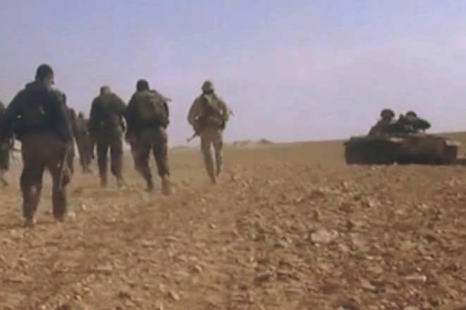 Medya: Suriye ordusu, IG barakalarını Palmyra yakınlarındaki hava üssü Tias bölgesinde kovdu