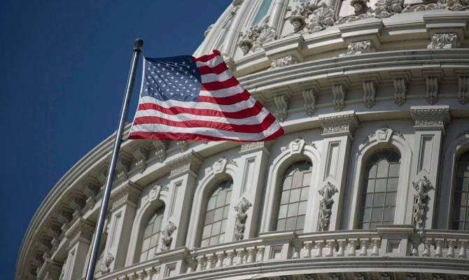 США на 10 лет продлили санкции против Ирана, проигнорировав президента Обаму