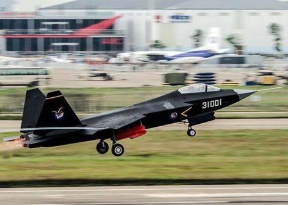 СМИ: второй прототип китайского J-31 поднимется в воздух до конца года