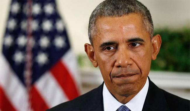 """Обама и телефон """"коммунистического"""" цвета"""