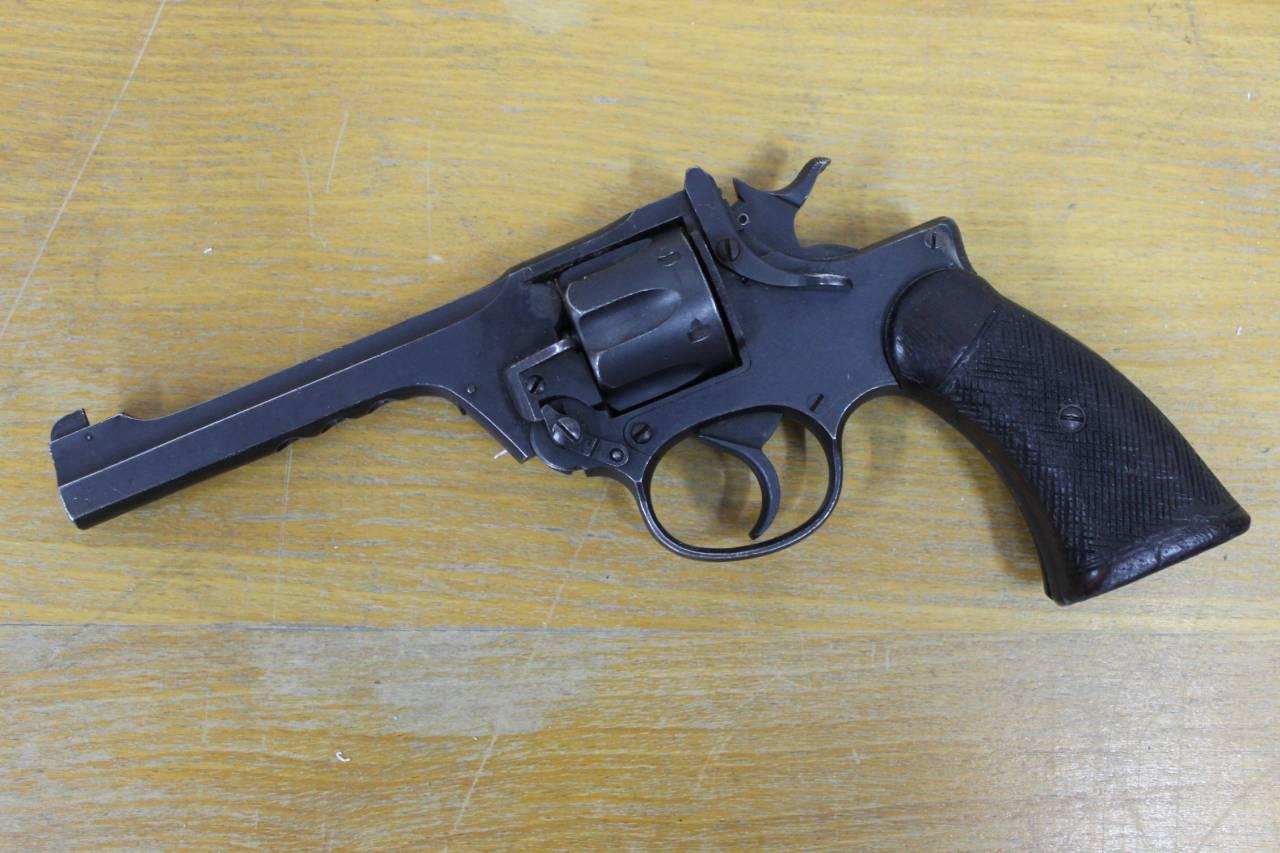 схема запирания ствола в револьверах