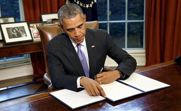 Обама утвердил закон, ограничивающий военное взаимодействие с РФ