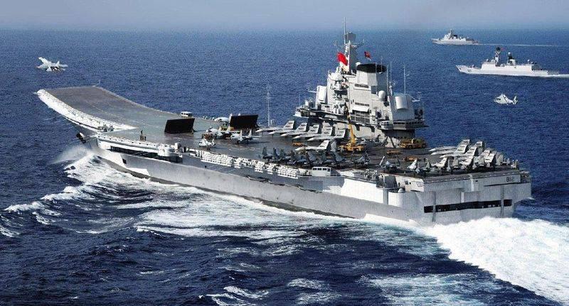 Авианосец «Ляонин» вышел в спорные воды Южно-Китайского моря