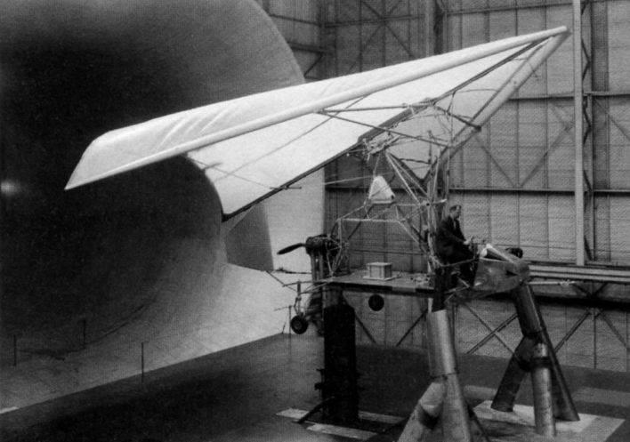 Esnek kanatlı deney uçağı Ryan XV-8 Fleep (ABD)
