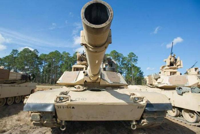 Пентагон рассматривает возможность вооружить «Абрамсы» наземными дронами
