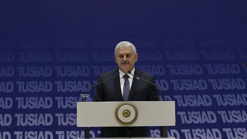"""Турецкий премьер: """"Мы не обязаны защищать Европу от угроз"""""""