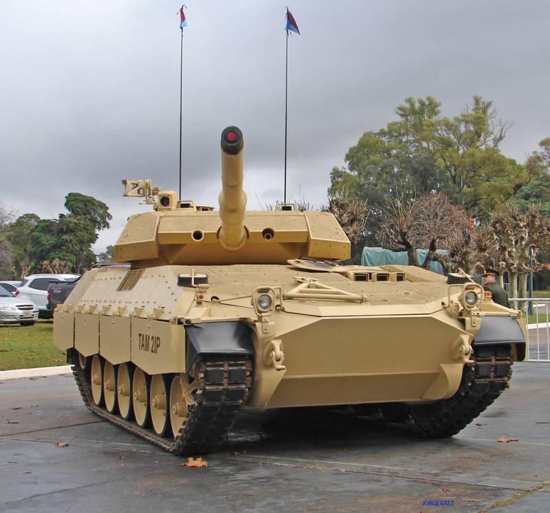 Картинки по запросу танк TAM 2IP