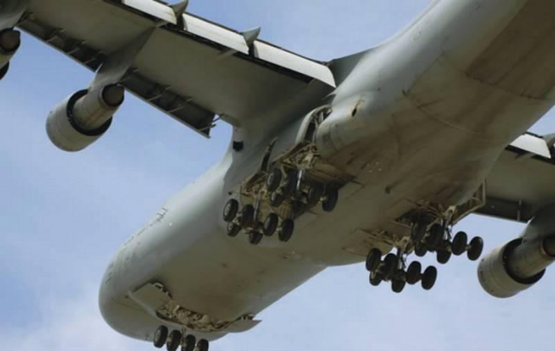 Краткий фотоочерк о самом большом самолете ВВС США