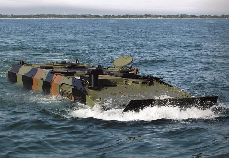 Морская пехота США испытывает новый броневик-амфибию