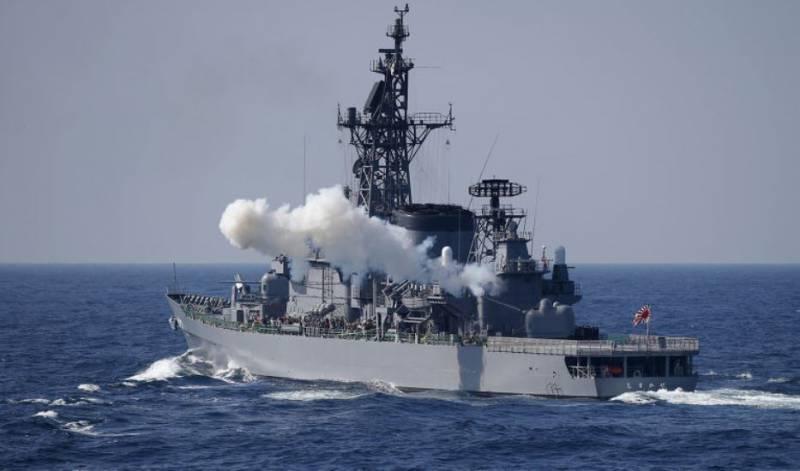 ВС Японии получили право применять оружие для защиты союзников