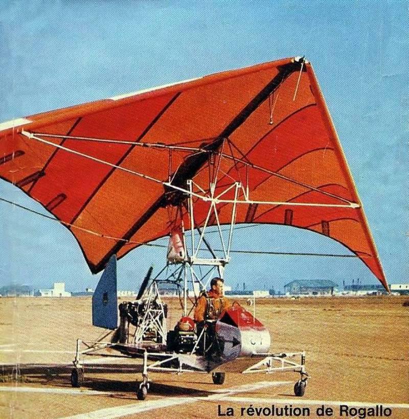 Экспериментальный летательный аппарат с гибким крылом Ryan XV-8 Fleep (США)