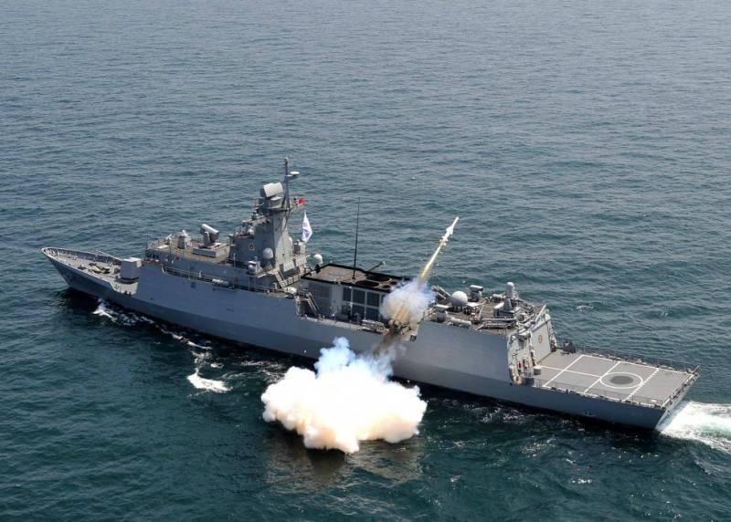 Южная Корея приступает к третьему этапу строительства новейших фрегатов по программе FFX