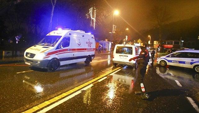 При нападении на ночной клуб в Стамбуле погибли не менее 35 человек. Террорист ликвидирован