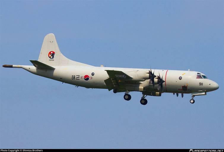 Южнокорейский самолет случайно сбросил вморе боеприпасы иснаряды