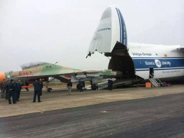 В Алжир поставлена первая партия истребителей Су-30