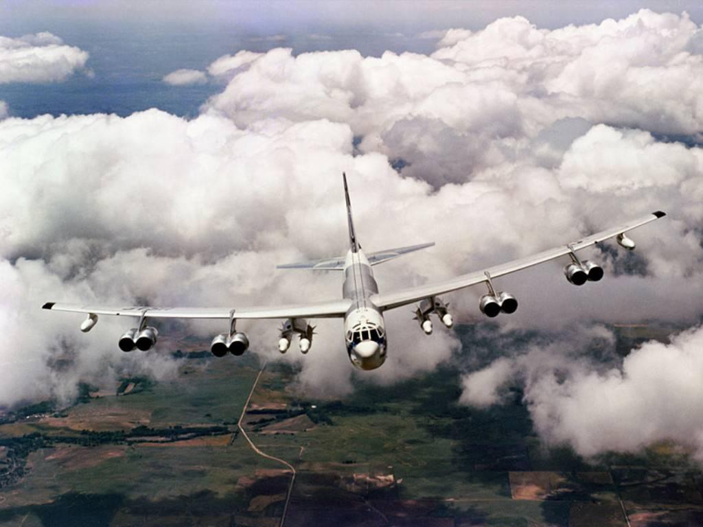 Бомбардировщик b-52  № 2853164 загрузить