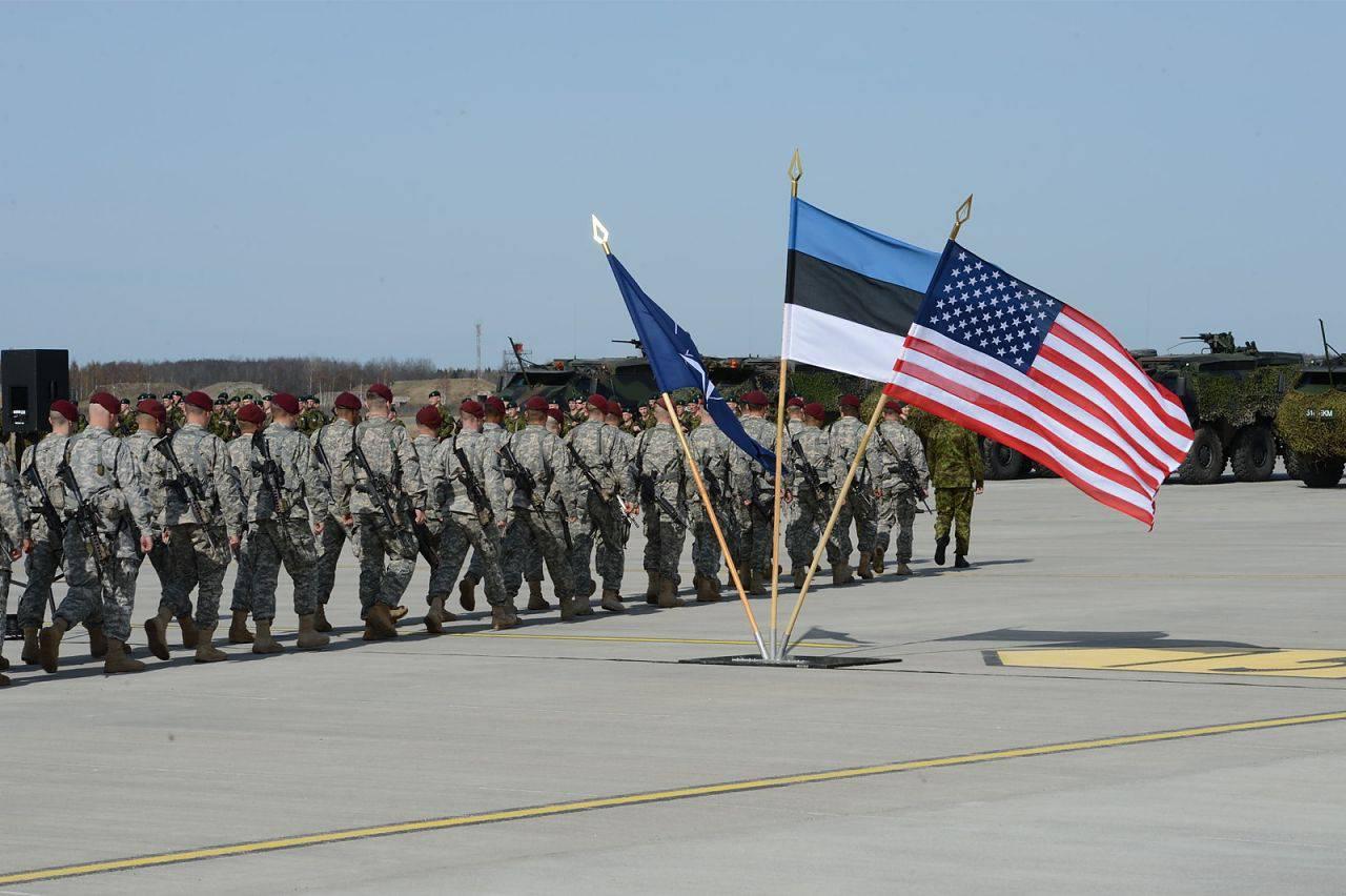 Почтовый ястреб: Маккейн посетил Эстонию