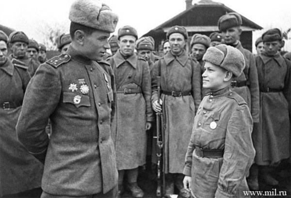 6 января 1943 года были введены погоны для военнослужащих Красной Армии