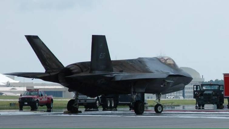 Обозреватель: Трампу необходимо покончить с «бесперспективным» F-35