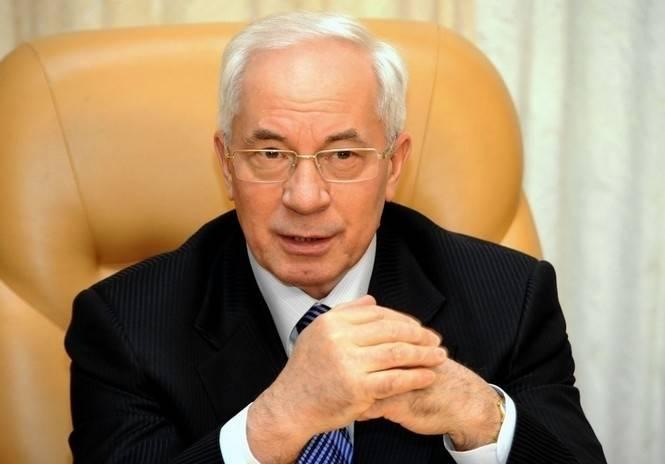Азаров заявил о возможности создания украинского правительства в изгнании