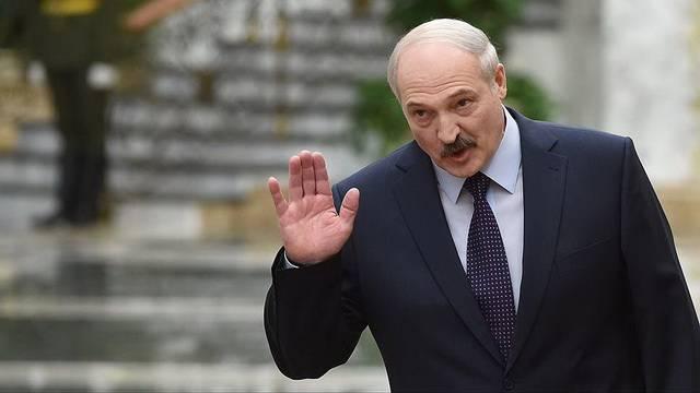"Москва идёт на нефтяное ""урезание"" в отношении Минска"