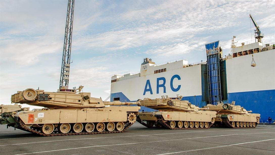 США перебрасывают военную технику вВосточную Европу