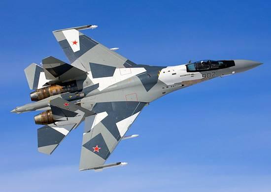 Тренировочные воздушные бои с применением Су-35С в Приморье