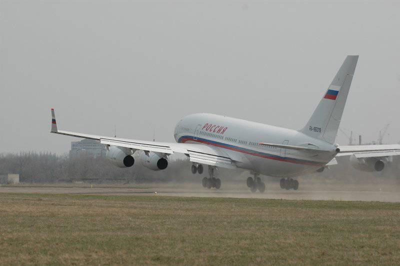 Поврежден президентский Ил-96-300