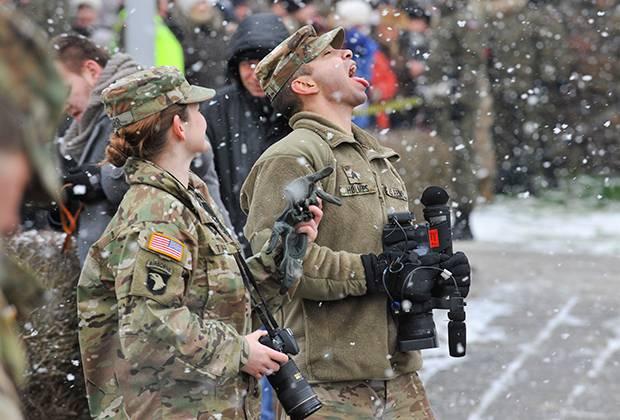 """Прикол дня. """"Мальбрук в поход собрался"""". Танки НАТО в Польше (18+)"""