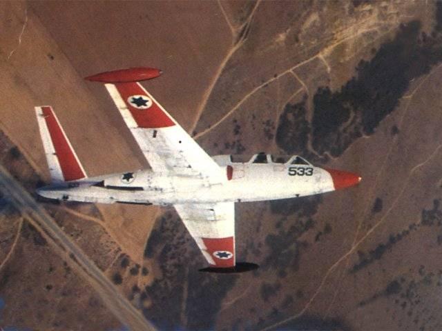Израиль продает учебно-боевые самолеты IAI Tzukits