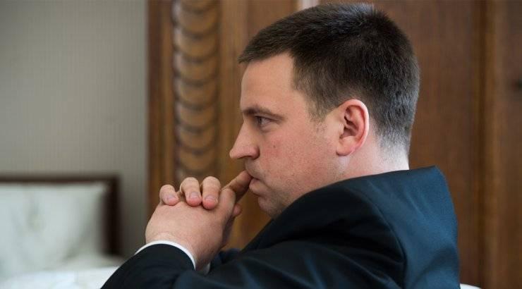 Руководство Эстонии винит русофобские слухи в экономическом спаде