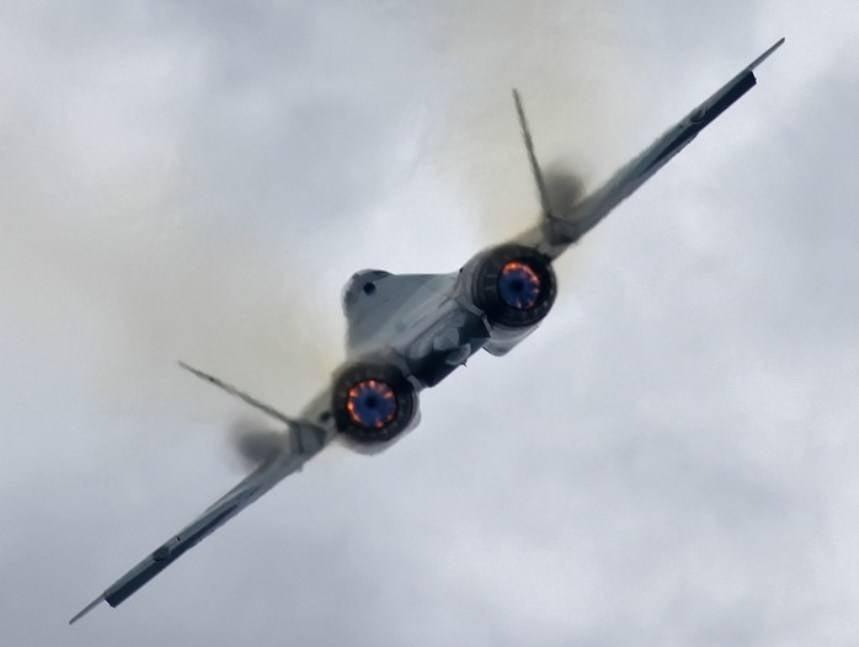 Дозаправку истребителя Т-50 внебе впервый раз показали навидео