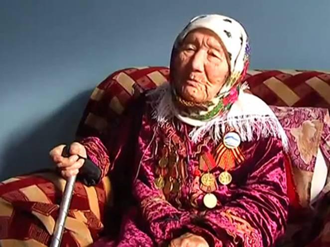 Киргизская мама ленинградских ребятишек